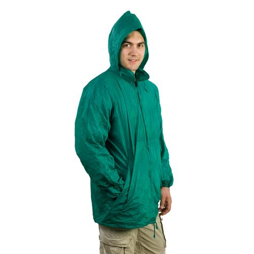 Impermeable barato color verde con riñonera: 3,77 euros