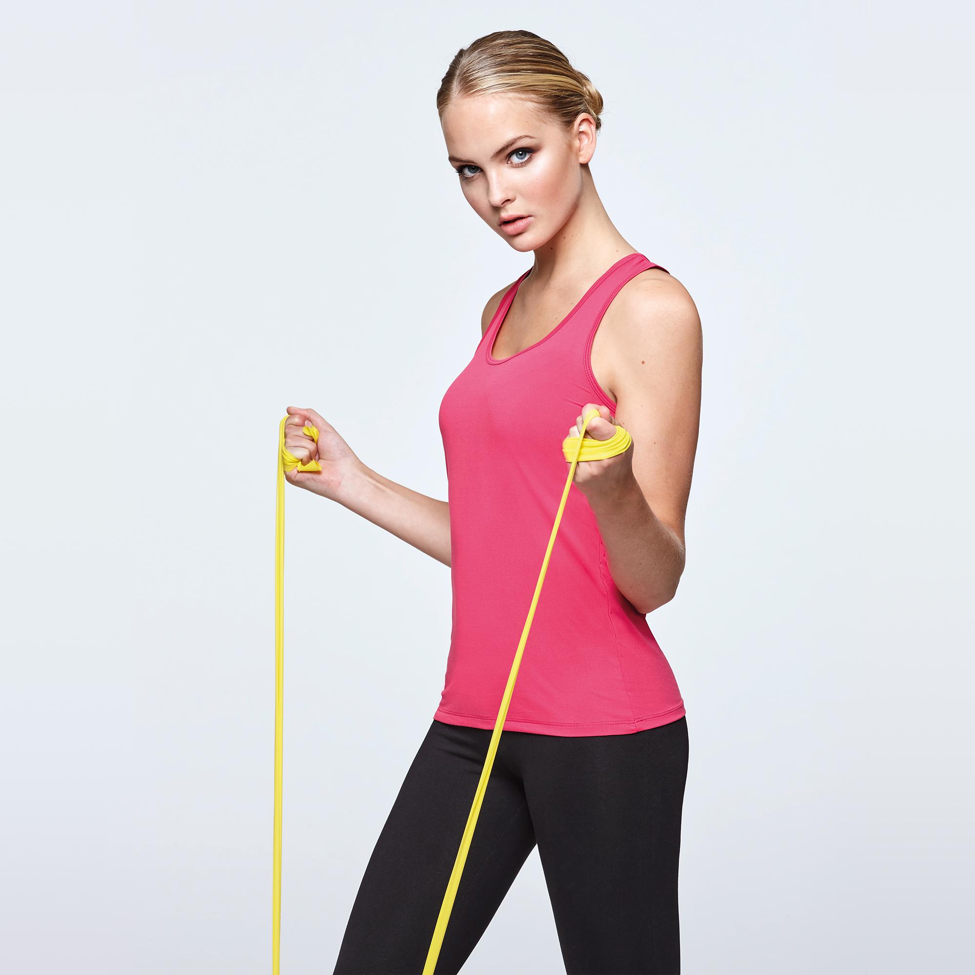 2e621a95771c9 Camisetas transpirables para mujer en colores fluor.